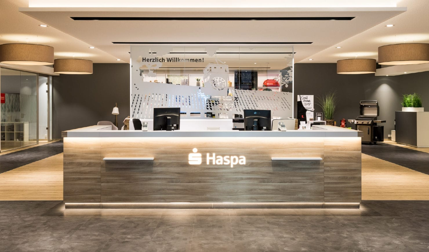 Haspa Filiale der Zukunft Eingangsbereich