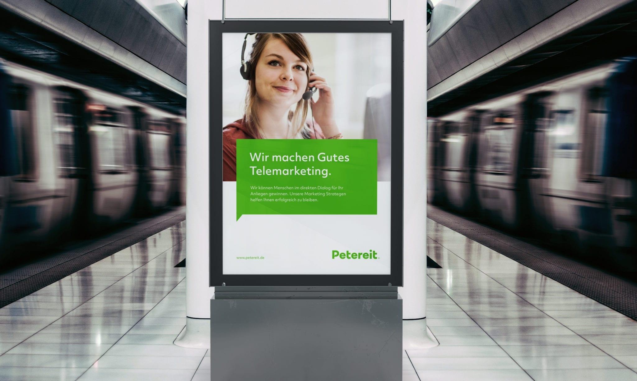 Petereit Plakat an U-Bahn Station