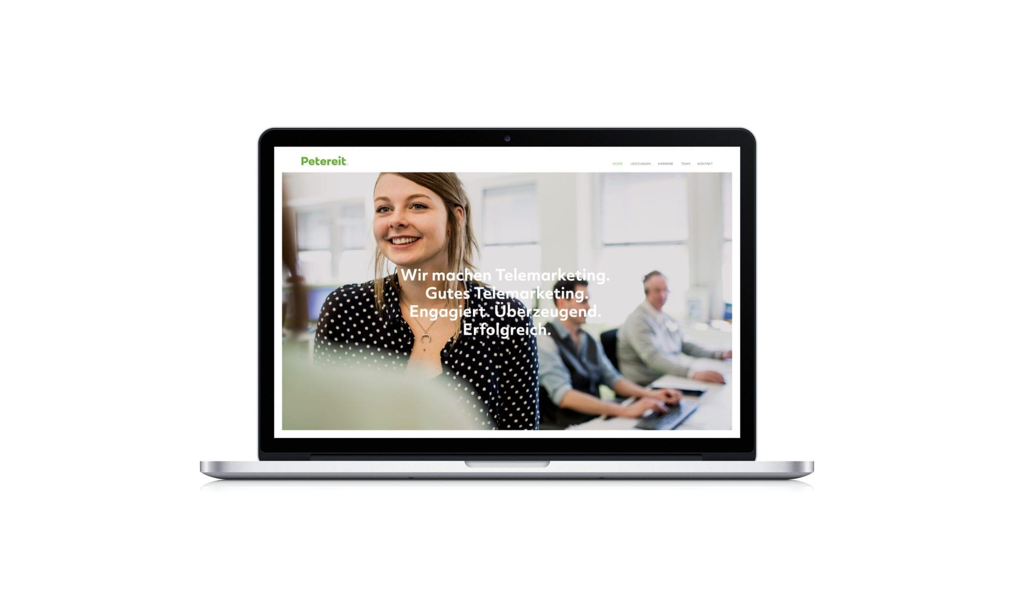 Petereit Webdesign auf MacBook