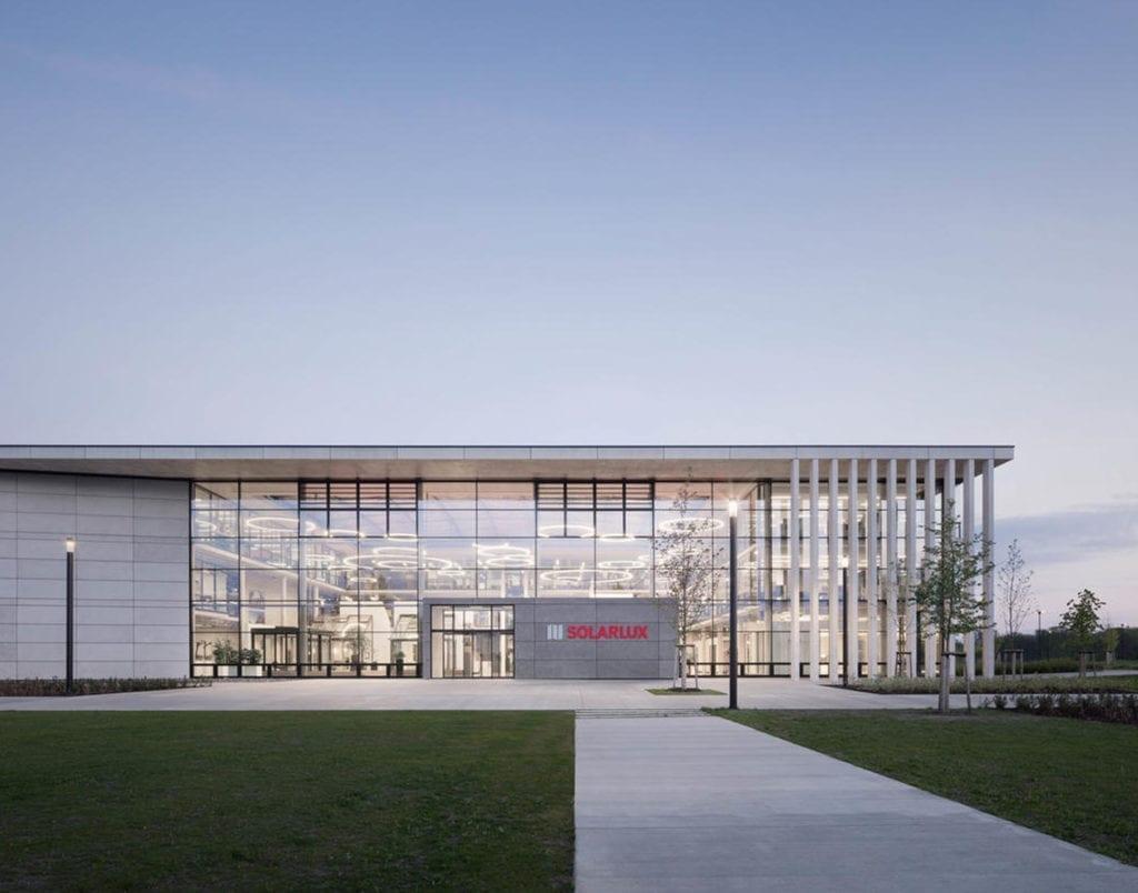 Solarlux Firmengebäude Außenansicht