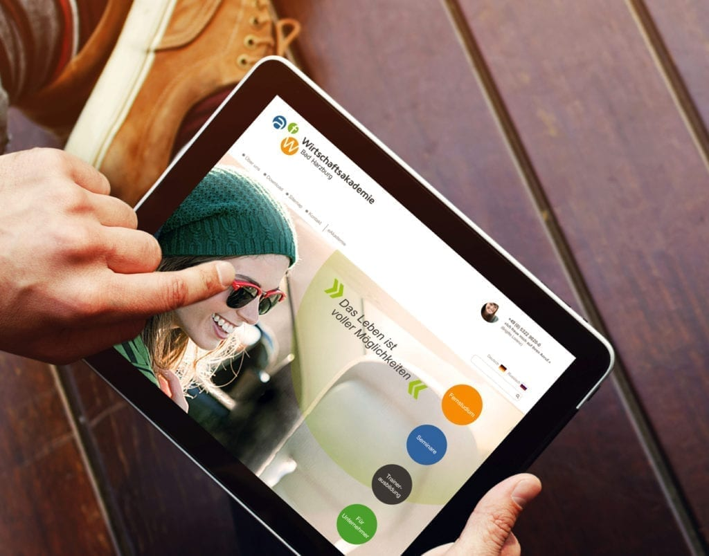afw Wirtschaftsakademie Webdesign on Tablet