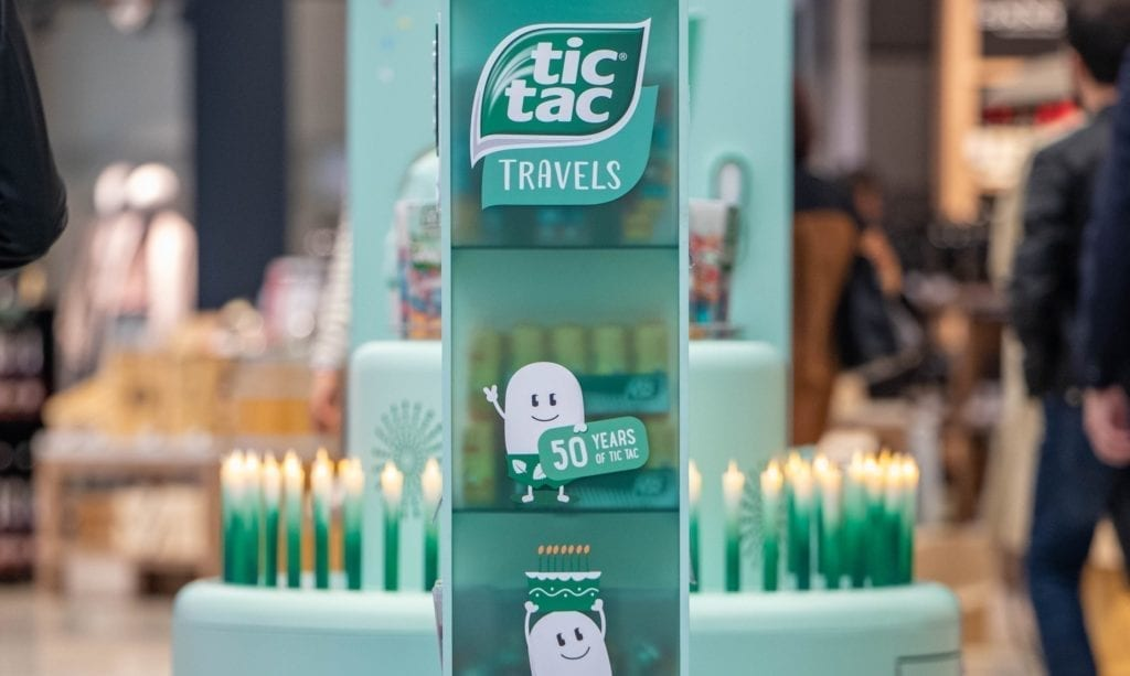 Tictac travels display side view